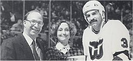 Joel Quenneville accepts the 1990 Favorite Whaler award